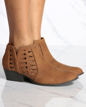 Women's Franny Cut Out Ankle Bootie - Tan