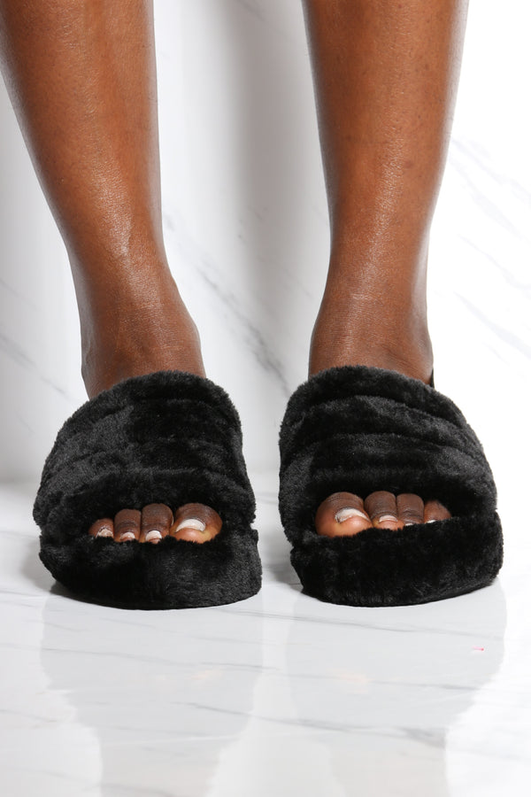 Women's Faux Fur Sling Back Sandal - Black