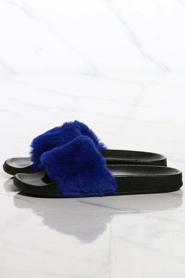 Women's One Band Faux Fur Slide - Blue