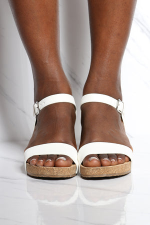 Women's Footbed Low Wedge - White