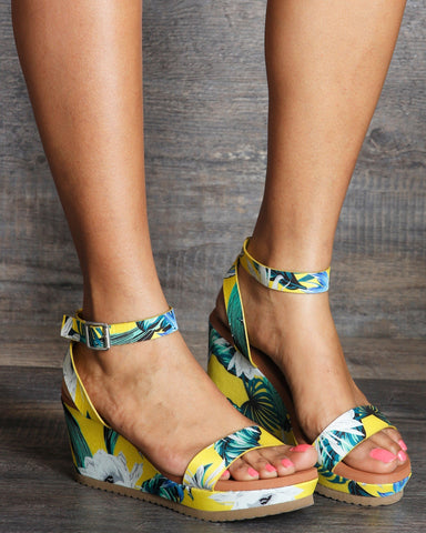 BAMBOO-Women's Ashley Flower Printed Wedge Sandals - Green/Yellow-VIM.COM