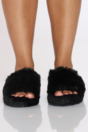 Women's Faux Fur Sandal - Black