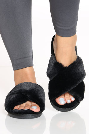 Women's Criss Cross Faux Fur Slide - Black