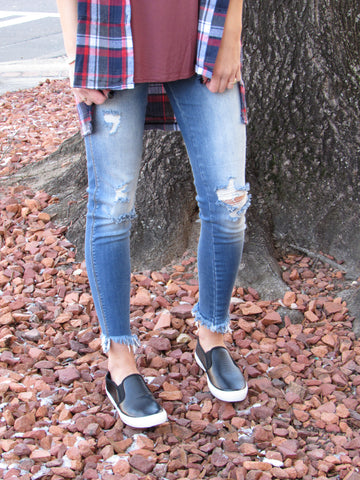 Frayed Hem Skinny Distressed Jeans