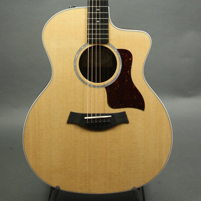 Taylor 214 Deluxe Cutaway w/ Pickup - 214CEDLX