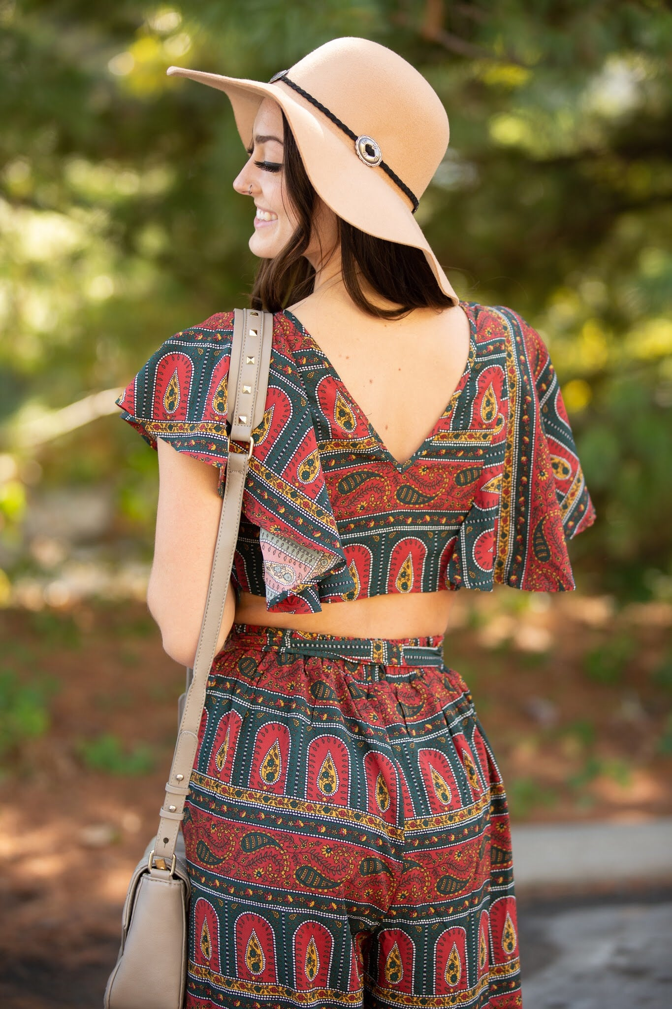 She Knows Floppy Hat - impromptu boutique