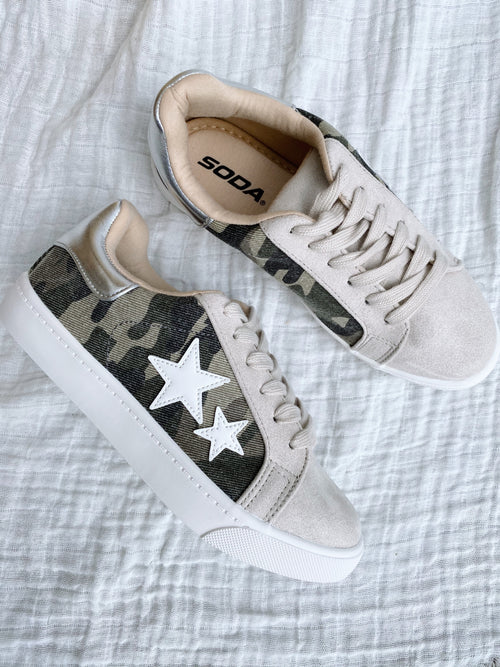 Abbie Camo Star Sneakers