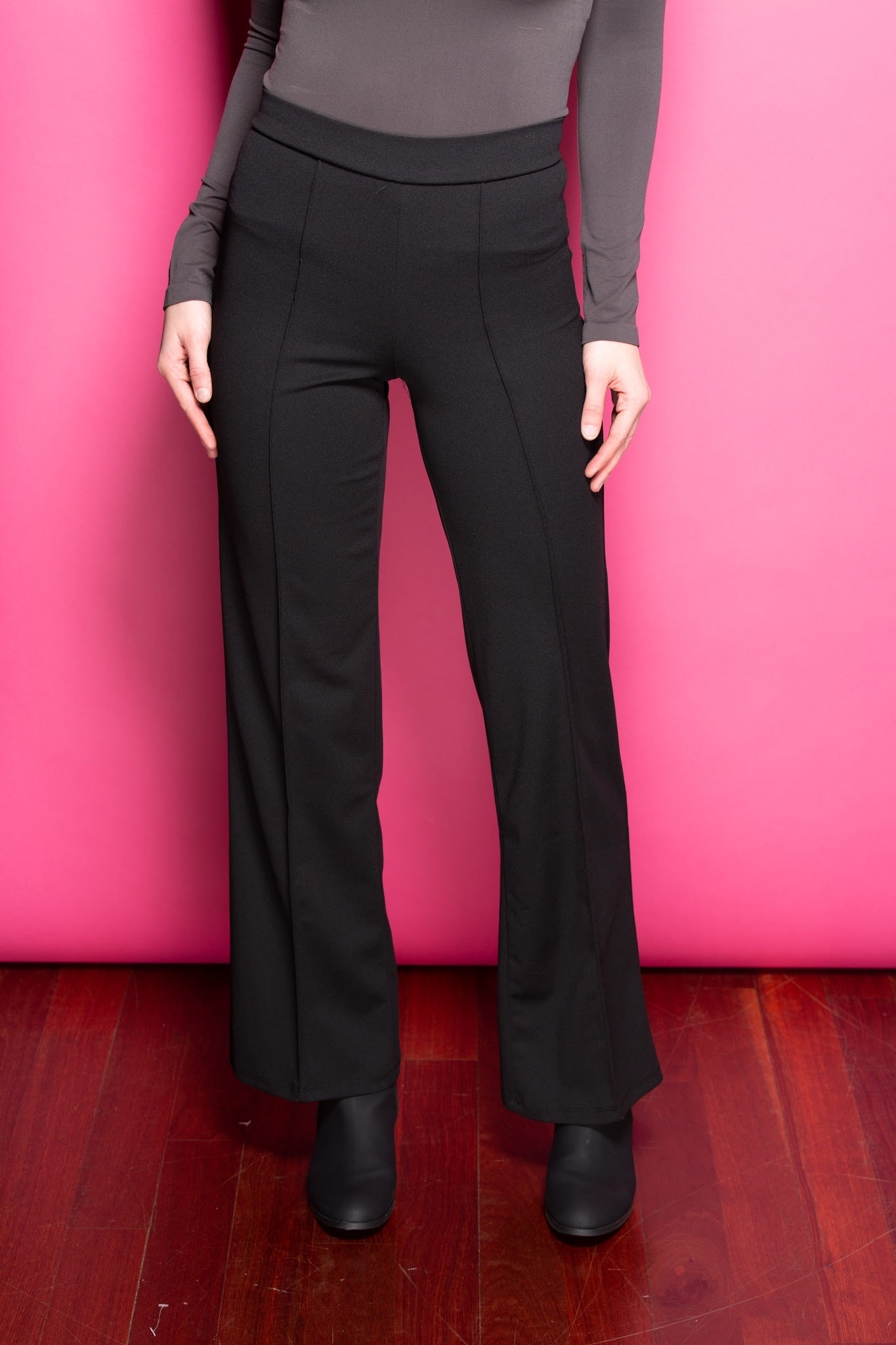 Just Walk Away Pleat Pants: Black - impromptu boutique