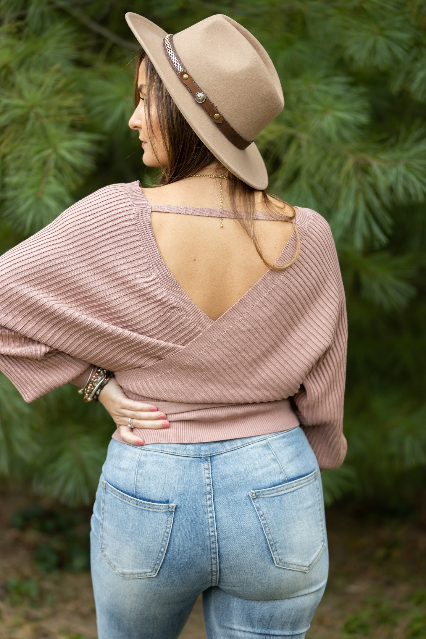 Natural Beauty Ribbed V-Neck Sweater: Mauve