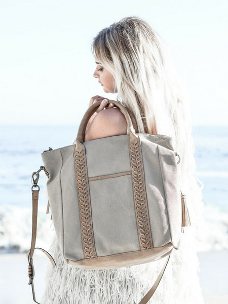 ZARGOZA CANVAS TOTE IN KNOTTY OAK