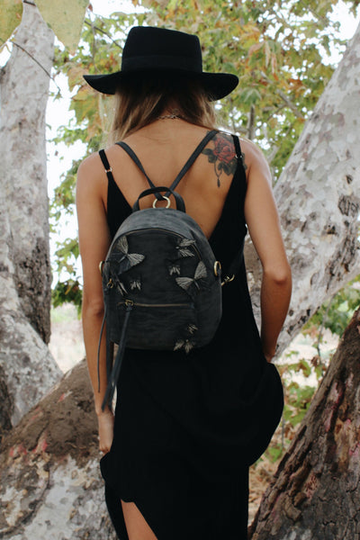 PARISIAN NIGHTS BACKPACK IN KNOTTY BLACK