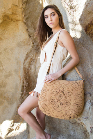 AMARILLO CROSSBODY HOBO IN SADDLE