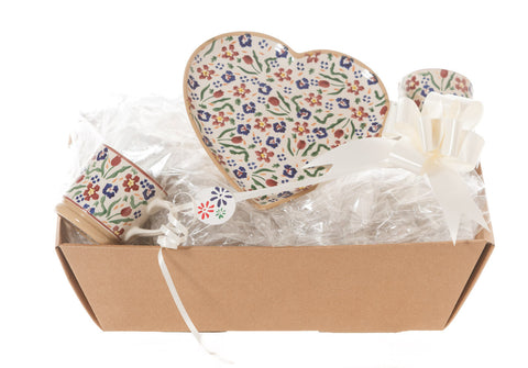 HEART GIFT SET IN WILDFLOWER MEADOW