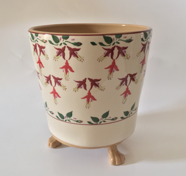 MEDIUM FOOTED PLANT POT FUCHSIA