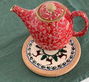 Tile Trivet Reindeer with Lawn Red Teapot