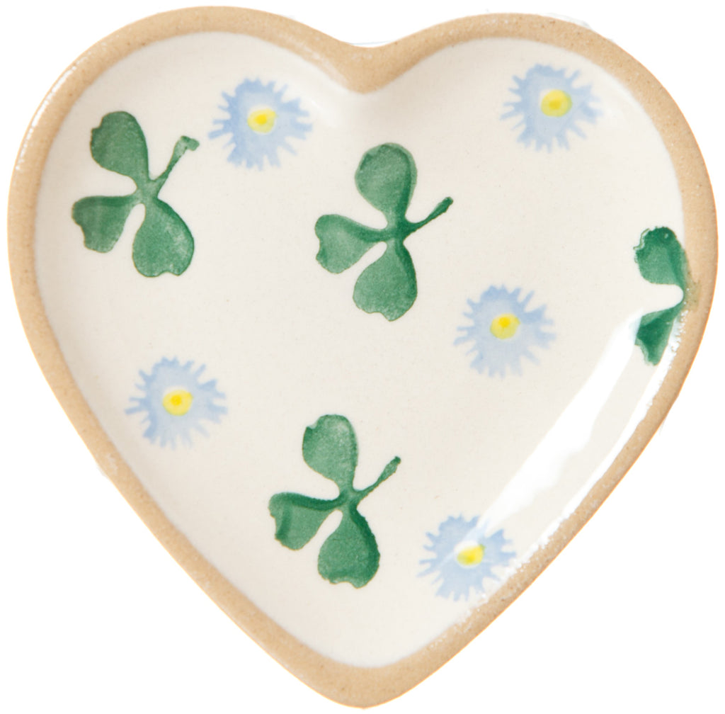 Tiny heart plate clover