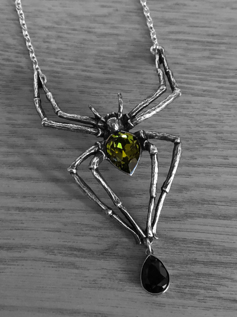 Alchemy Gothic Emerald Venom Spider Necklace