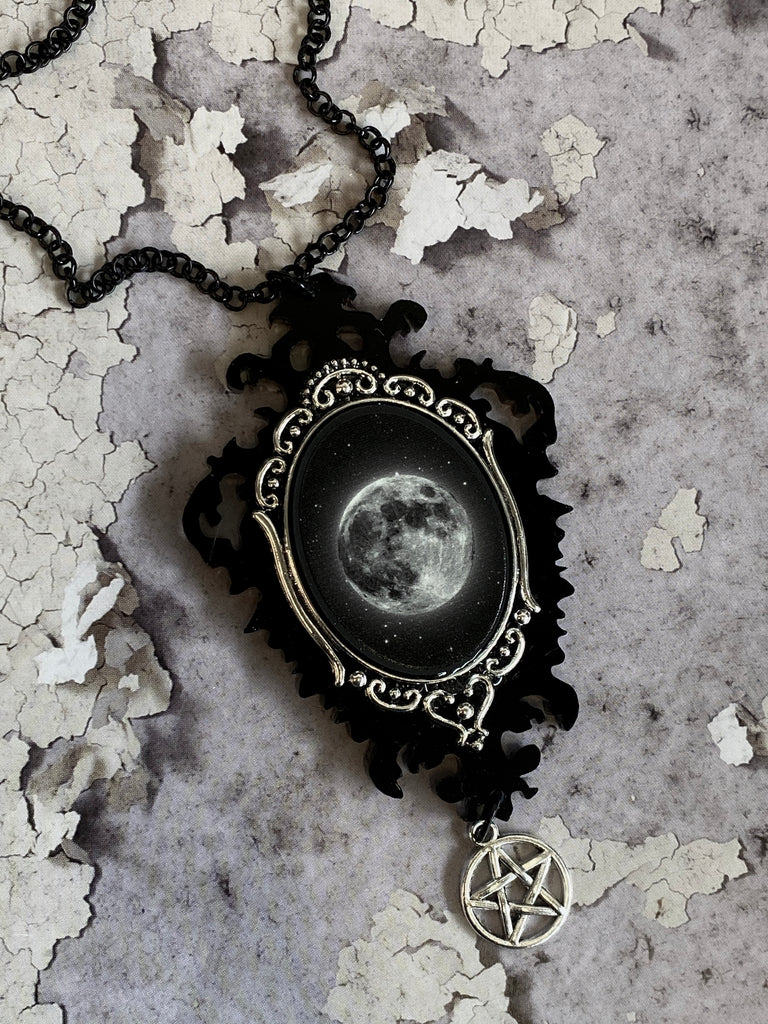Luna Full Moon Cameo Necklace