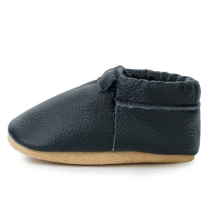 Black and Tan Fringeless Moccasins