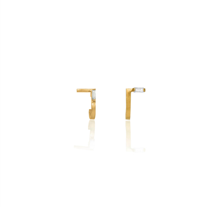 Unfinishing Line   sterling silver curve gold sapphire earring  (UL19)