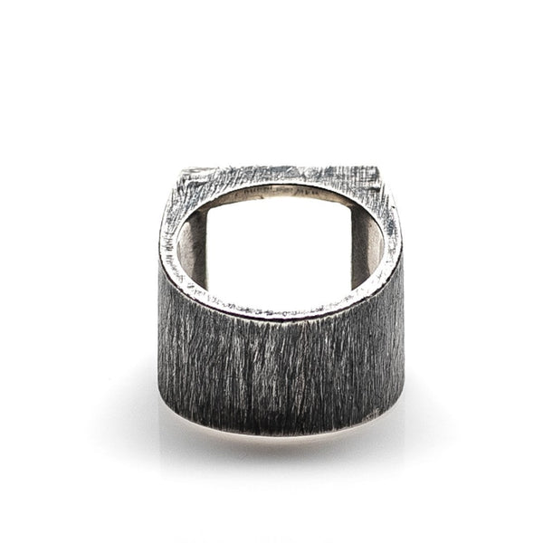 HOLLOW SQUARE RING