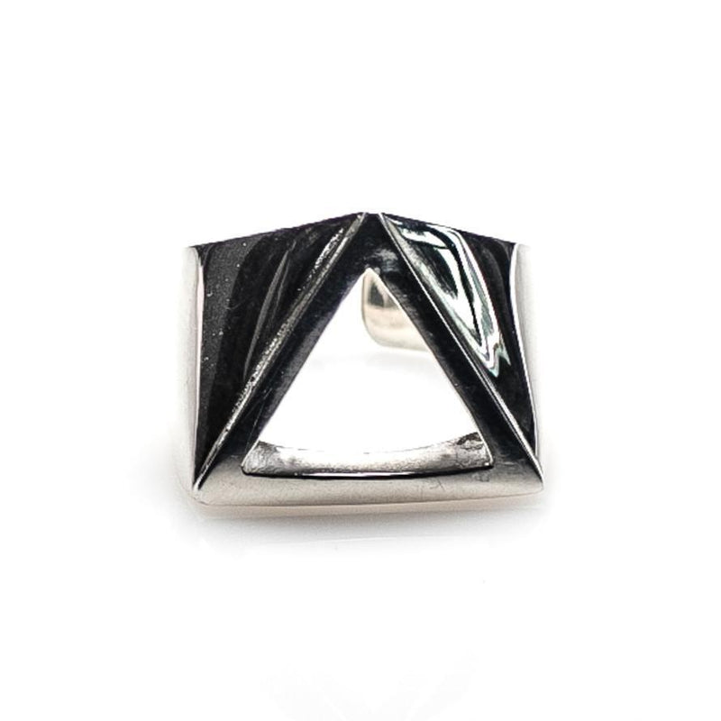 POLISHED TRINITY RING