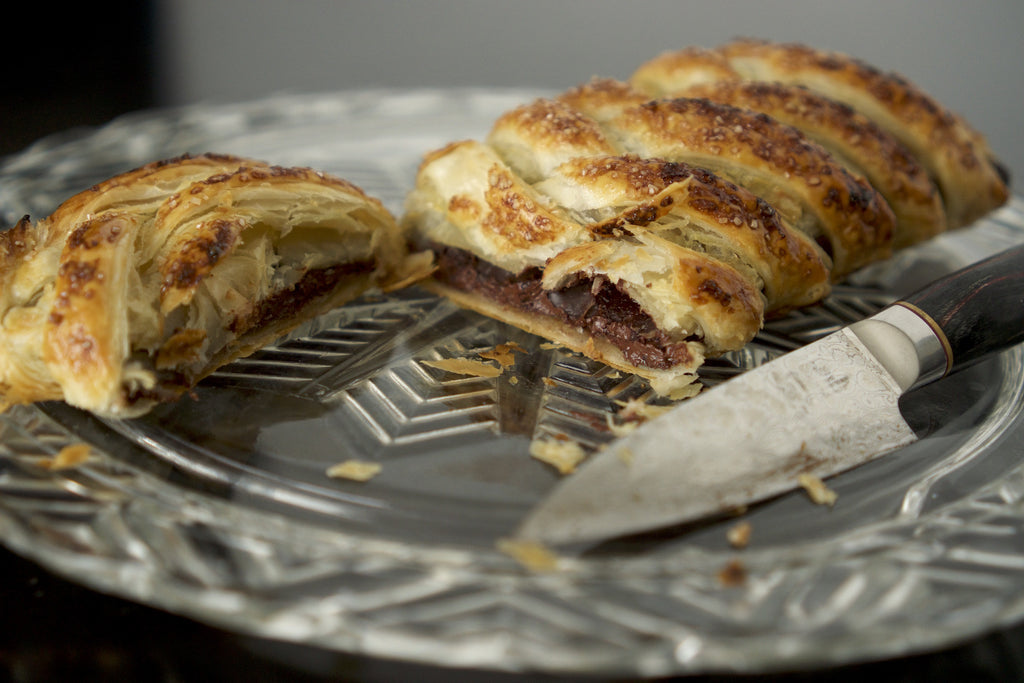 We tried it: Chocolate Bar Baked into a Braided Puff Pastry