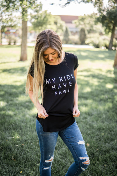 """My kids have paws"" graphic tee"