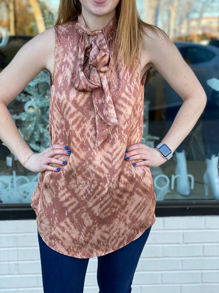 Pattern neck tie blouse