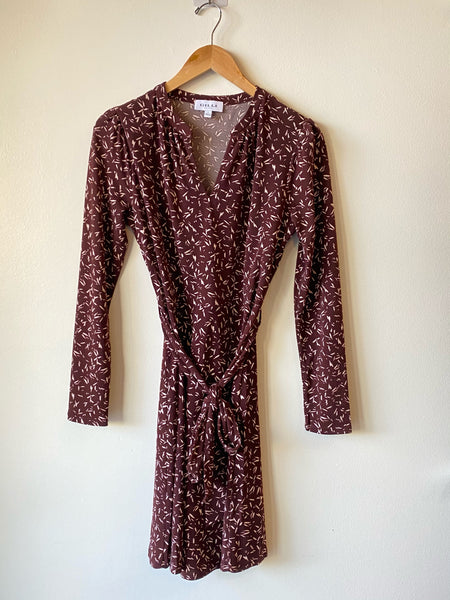 Long sleeve pattern tie dress