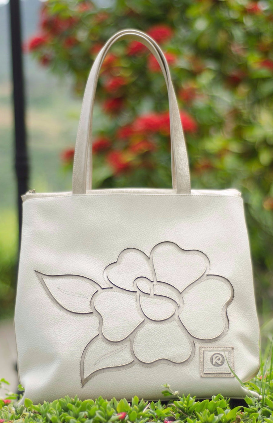 Flor Flair, Ivory & Gold Tote, 100% Leather - Handbag Charms Leather Bag - Handbag TheMakerWorld TheMakerWorld