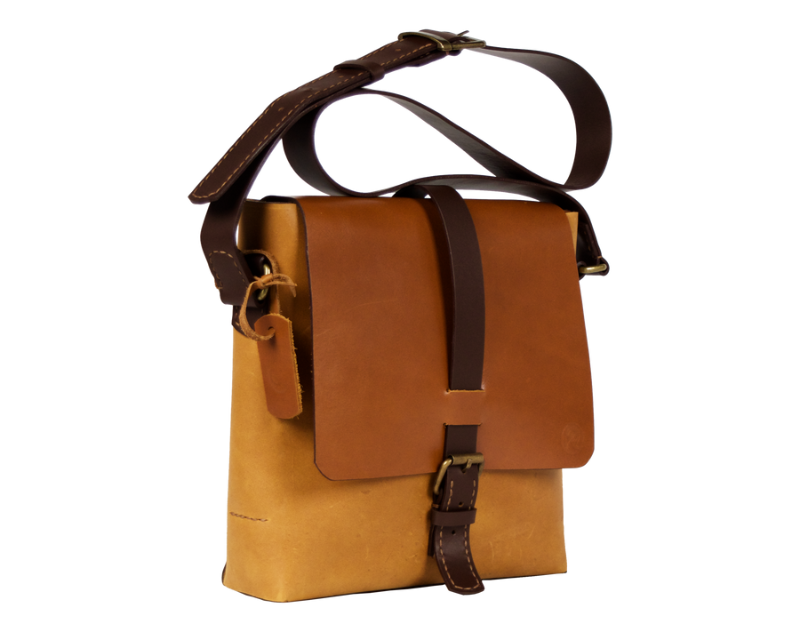Terra-Maxi, Unisex Oversized Saddle in Amber & Chocolate, Handmade in Full-Grain Leather - TheMakerWorld