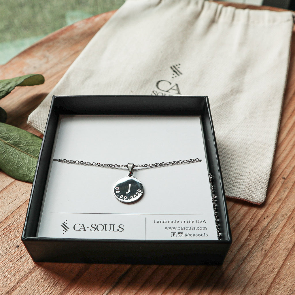 AVA - ENGRAVED NECKLACE