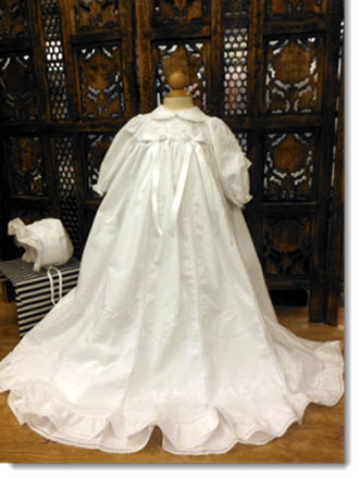 06578 Delicate long sleeve christening gown