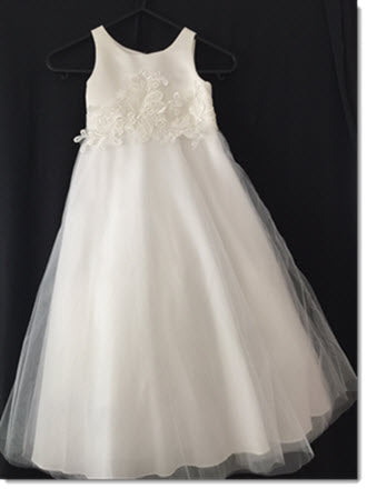 3411 With Applique Ivory