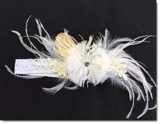 Headband with large feathers and pearls