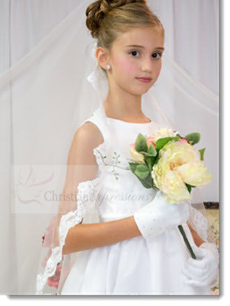 800 - First Communion Mantilla Long Scalloped Lace