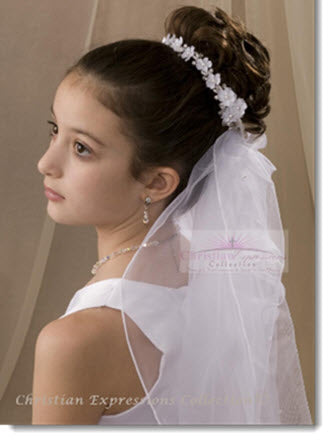 881  First Communion Wreath Veil with Dainty Flowers