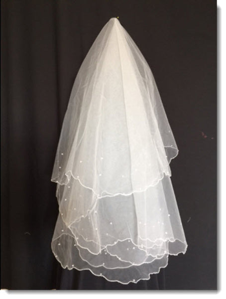 First Communion Veil with Scalloped Edge and Pearls