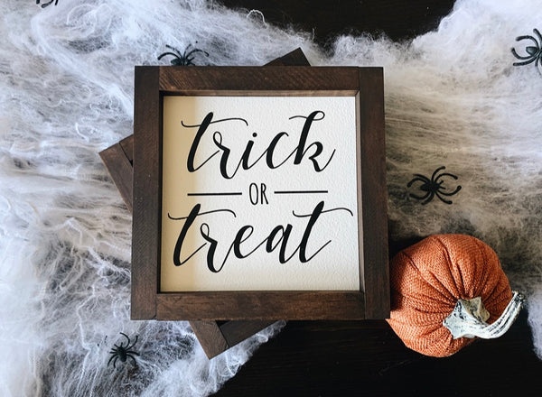Trick or treat (white)