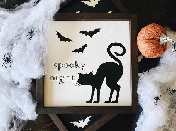 Spooky night (white)