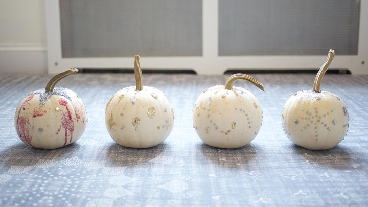 Stylish (and Easy) Pumpkin Decorating