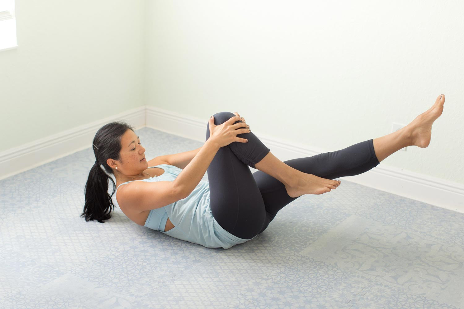 Ab Workout - Single Leg Stretch