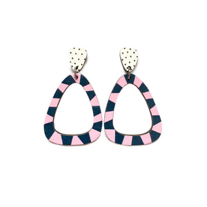 Loopy wood rounded triangle dangles Pink/Navy