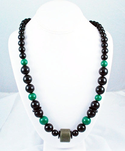 Green & Black Lucite Necklace Vintage