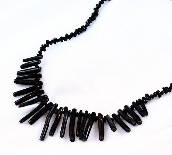 Black Branch Coral Necklace Vintage