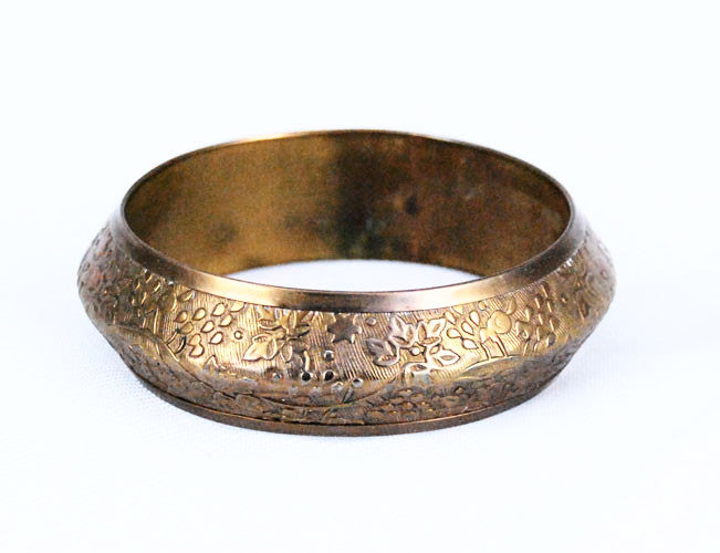 Artfully crafted brass bangle bracelet