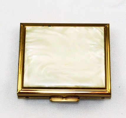 Flair Fifth Avenue Lucite Powder Compact
