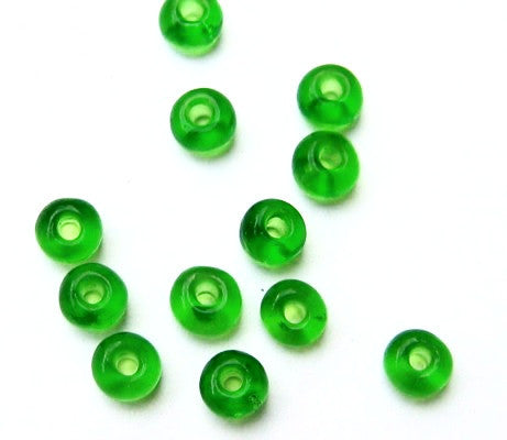 Kelly Green Rocailles Seed Beads 4mm - 6/0
