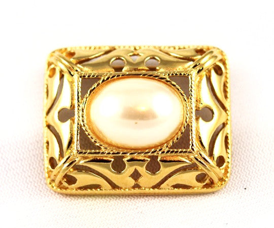 Richelieu Pearl Gold Tone Brooch Vintage